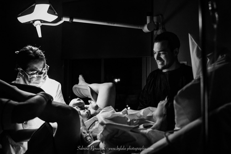 photographe-reportage-accouchement-domicile-bylala-